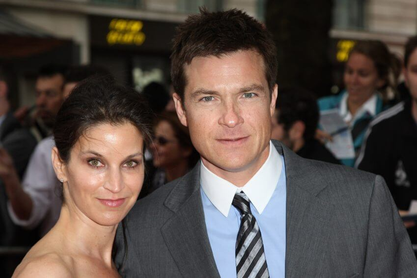 Actor Jason Bateman and wife Amanda Anka arrive at the Hancock premiere