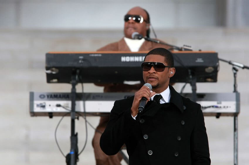 Stevie Wonder and Usher perform in front of the Lincoln Memorial