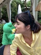selma blair kissing a hand puppet
