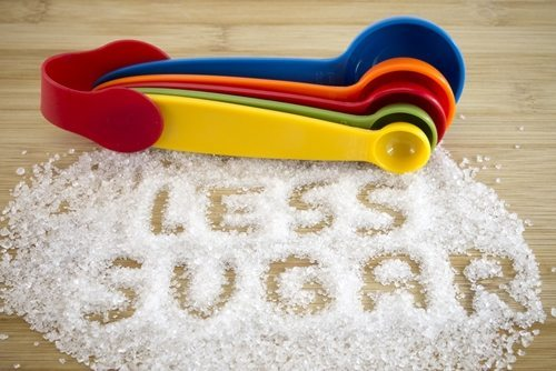 During pregnancy, moms-to-be should cut back on their artificial sugar consumption and use it in moderation.