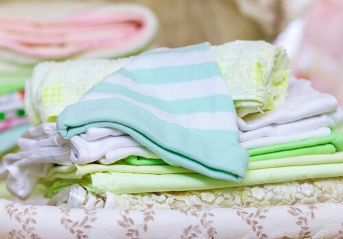 Choosing Natural-fiber Clothing for Your Newborn