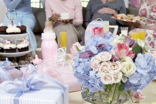 How to Host a Supreme Baby Shower [Infographic]