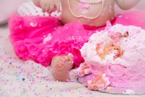 How To Do Your Own Backyard Cake Smash Photo Shoot