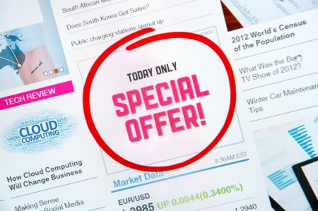 "Internet advertisement with text ""SPECIAL OFFER"" and red circle selection around."