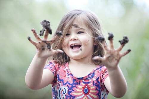 Encouraging your child to play with mud could benefit her in more ways than one!
