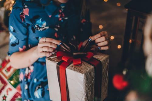 3 Ways To Announce Your Pregnancy This Christmas