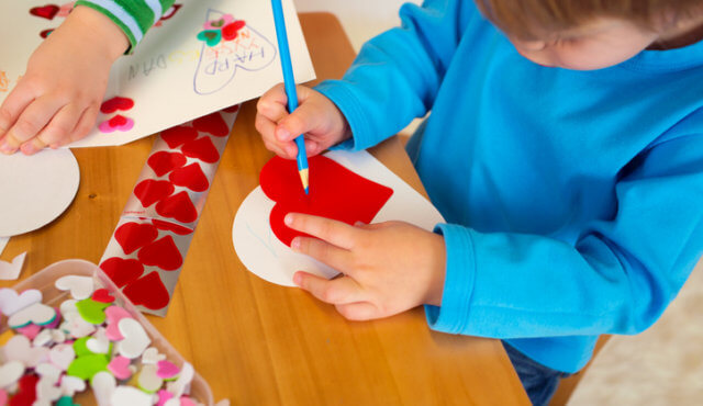 7 Easy Valentine S Day Crafts For Toddlers Mom365 Blog