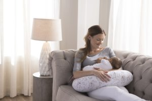 10 Ways to Succeed at Breastfeeding